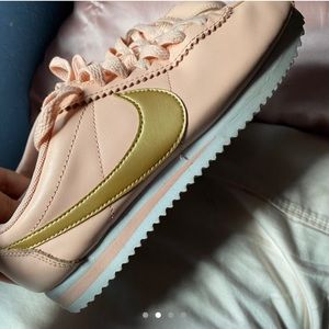RARE pink nike Cortez with gold swoosh